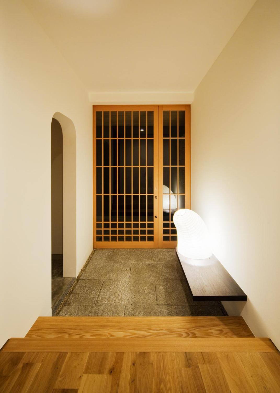 格子引戸の玄関扉