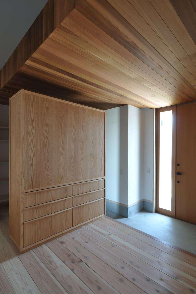 玄関収納家具