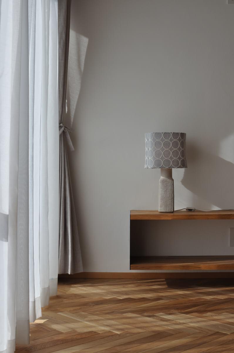 カーテンとミナペルホネンの照明器具